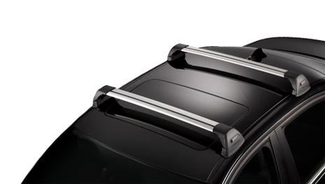 Аэродинамический багажник Whispbar с дугой Flushbar установлен на крыш автомобиля со штатными местами